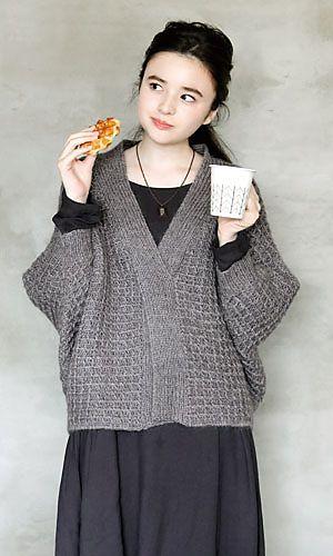 215w-03 Waffle Dolman Pullover - free Japanese charted crochet pattern by Pierrot (Gosyo Co., Ltd)