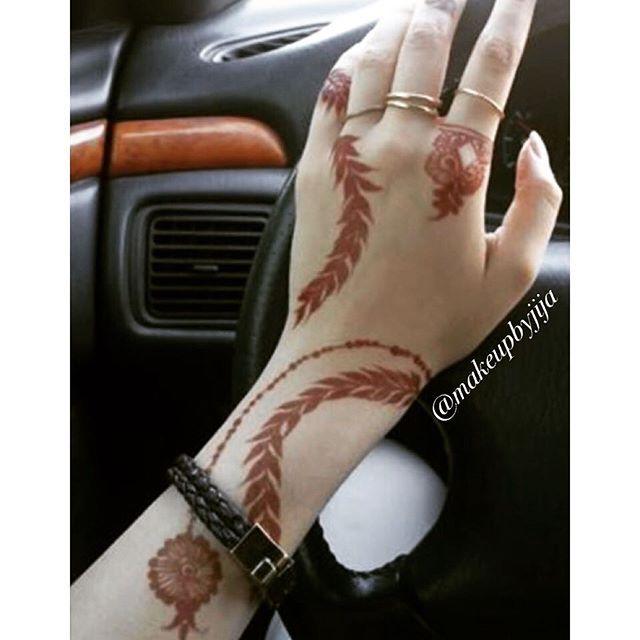 When client sends u henna picture 💃💃💃💃Close up #henna #hena #mehendi #mhendi #dubai #mydubai #dubai #artist #tattoo #patterns #flowers #girls #cute #wakeupandmakeup #vegas_nay #hudabeauty #uae #bride #bridal  #mua #nailpolish #creativity #حنا #حناء #نقوش #دبي #بنات #نقش #wedding  @voguethreads @voguestylz @hudabeauty @monakattan #eid