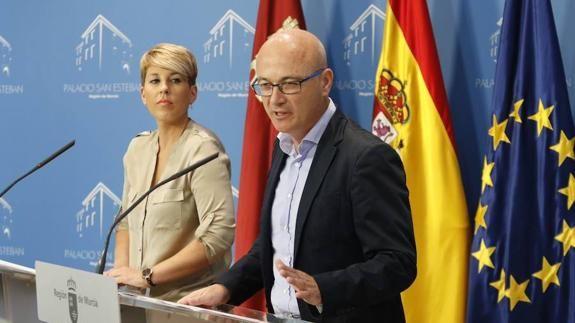 Noelia Arroyo y Juan Hernández, este miércoles, en rueda de prensa.