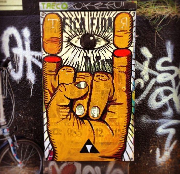 GRAFICA FIDALGA #streetart #graffiti #printbroker #imprenta #tipos #print #printer #letterpress www.printbroker.co PrintBroker&Co.