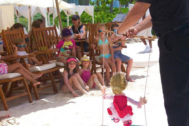 Веселье и фантазия царят на нашем шоу марионеток во время Летнего пикника-2014. http://rivieramaya.grandvelas.com/russian/