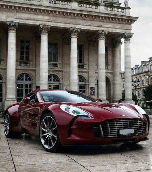 Etonnant Aston Martin One 77   Great Colour