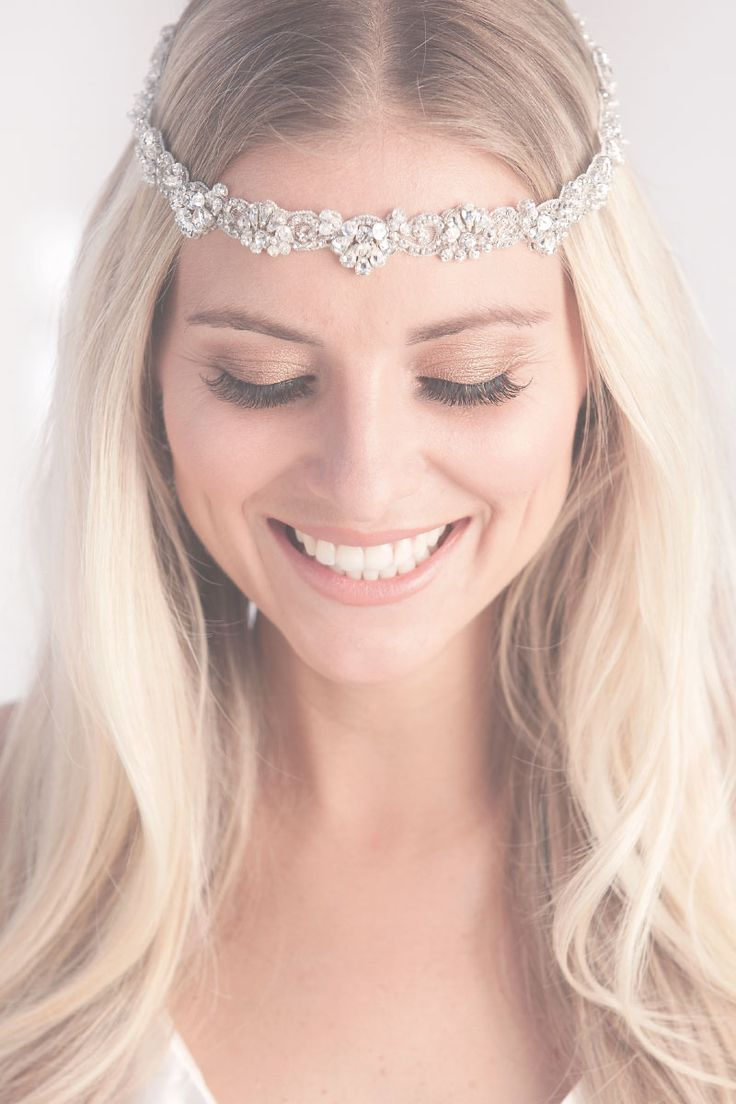 Laura Jayne Luna halo: a great wedding hairpiece worn across forehead for an effortless chic boho bride look, or higher for a glam Gatsby 1920's feel ♡ Also available as a skinny belt♡