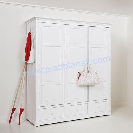 Jual Lemari Baju Gantung Minimalis 3 Pintu Lemari Baju Gantung Minimalis 3 Pintu dengan 3 laci model baju dengan rak terbuka serta terdapat hanger untuk men