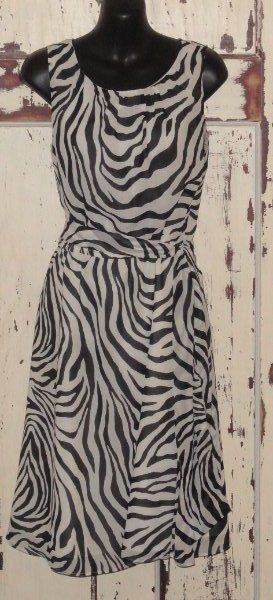 Womens EASTER Dress Banana Republic size 4 Sleeveless Black White belted #BananaRepublic #Sundress