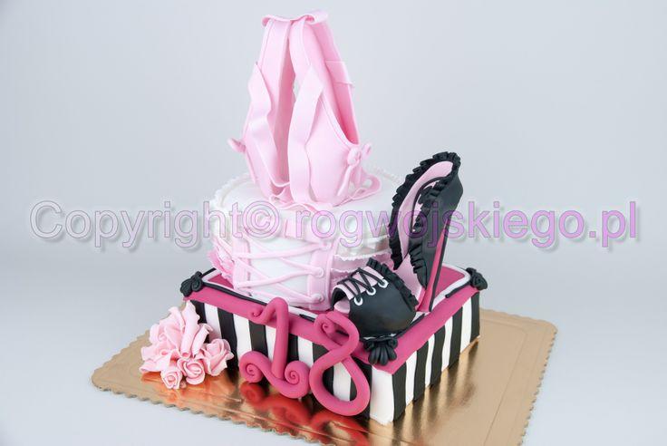 tort na osiemnastkę, tort na 18, www.rogwojskiego.pl