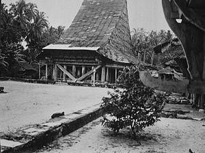 Barujulasar council house on Telo island (1922)