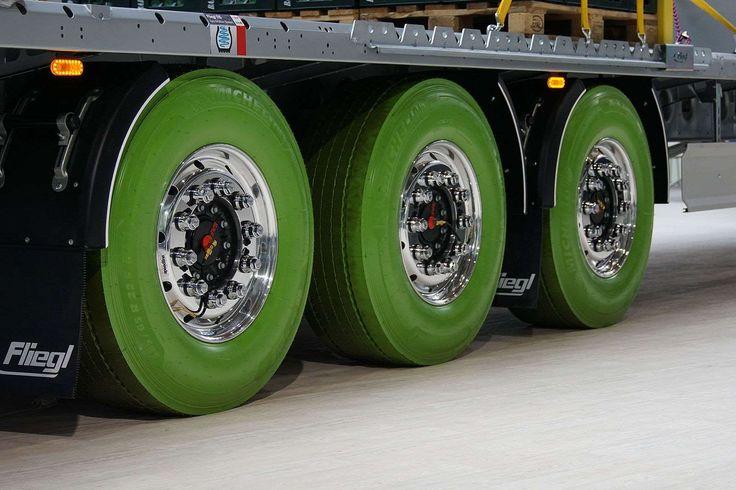 ... und grüne Reifen bei Fliegl. - Uli Baumann