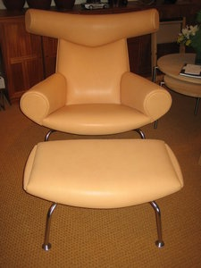 OXCHAIR WITH STOOL.