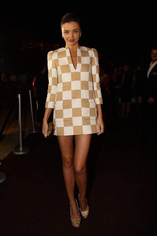 Miranda Kerr en Louis Vuitton http://www.vogue.fr/mode/inspirations/diaporama/les-looks-du-mois-de-janvier-des-podiums-a-la-realite/11610/image/683992#miranda-kerr-en-louis-vuitton