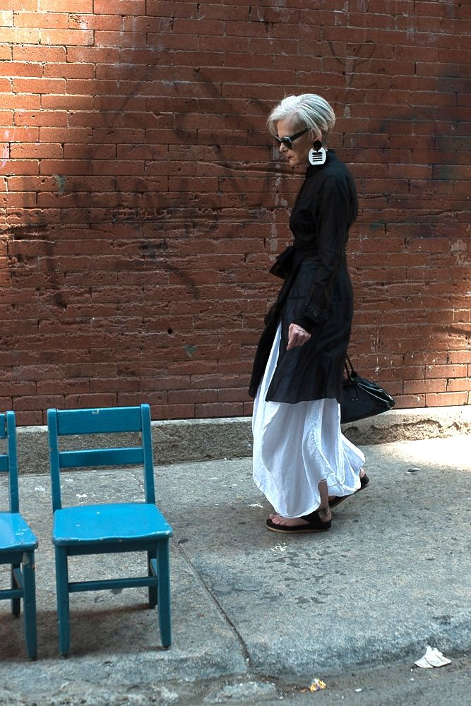 Accidental Icon: Wandering Woman — Accidental Icon