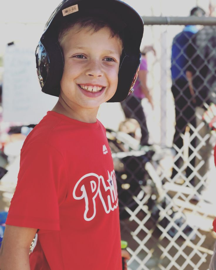 My heart!!  Brady was so excited for his very FIRST baseball game ever!! Look at that happy face! Although they didnt win against the Yankees (5-23 ) he kept that smile going  We are so very proud of you buddy!! You and your teammates played an awesome game today! We already cant wait till the next one  . . #baseballlife #phillies #oviedobaberuth #rookies #springseason2018 #firstbaseballgame #phillesvsyankees #5to23 #baseballmom #baseballready #baseballlife #sunnyand70 #oviedofl #instamoment…