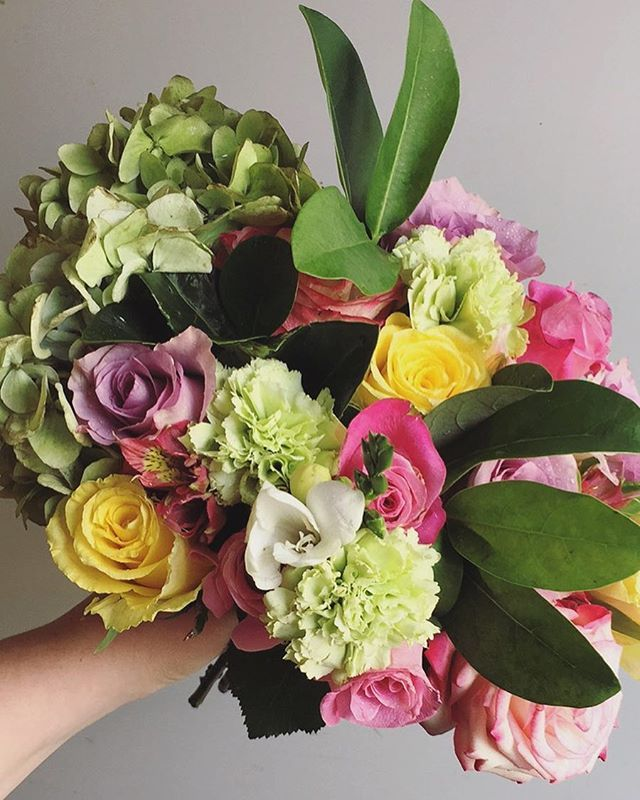 """Matchy-matchy sister-sister 👯 All those beauties with no beast insight! Just a big gorgeous fluffy hydrangea working its magic! #rueandpenn Arrangement includes: • Roses • Hydrangea • Alstroemeria • Carnations • Sneaky freesia • Foliage"" by @rueandpenn. #bridalstyle #weddingfashion #weddingdream #weddingidea #bridalinspiration #bridalinspo #rusticwedding #невеста #prewedding #bridalgown #bridaldress #свадебноеплатье #vestidodenoiva #couture #gelinlik #gown #weddingtime #theknot #engagement…"