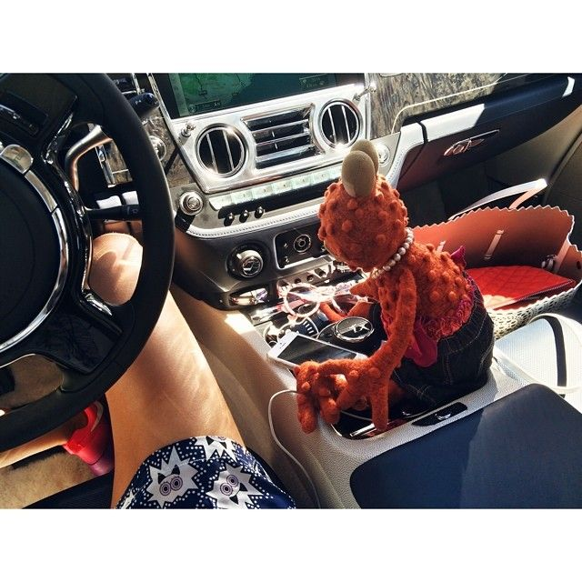 Ника Белоцерковская @belonika belonika #ногеноге #жабовоз #жаннаб #дорогадорога #пробкипробки #факингсандэй! куда вы все едете, ааааа?!!