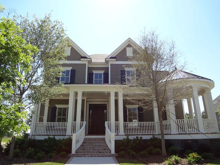 Myrtle Beach residents count on us to install the industries' best products for lasting beauty and low-maintenance convenience like—James Hardie® Fiber Cement Siding.