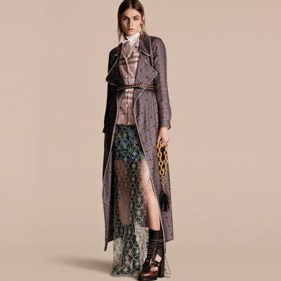 几何拼贴印花丝质睡袍式大衣