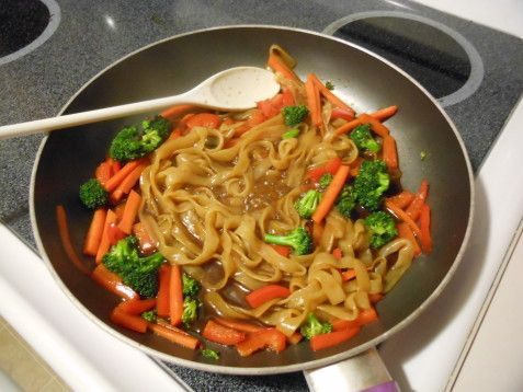 Need some inspiration for #meatlessmonday? Try this recipe for Shirataki Noodle Stir Fry that's been tried and tested by Bliss & Balance