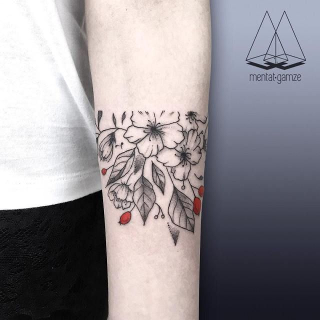 Amazing Minimalist Black & Red Dot Ink Tattoos by Mentat Gamze.|FunPalStudio|Illustrations, Entertainment, beautiful, creativity, nature, drawings, paintings, Art, Artwork, Artist, fashion, tattoo art, tattoo designs.