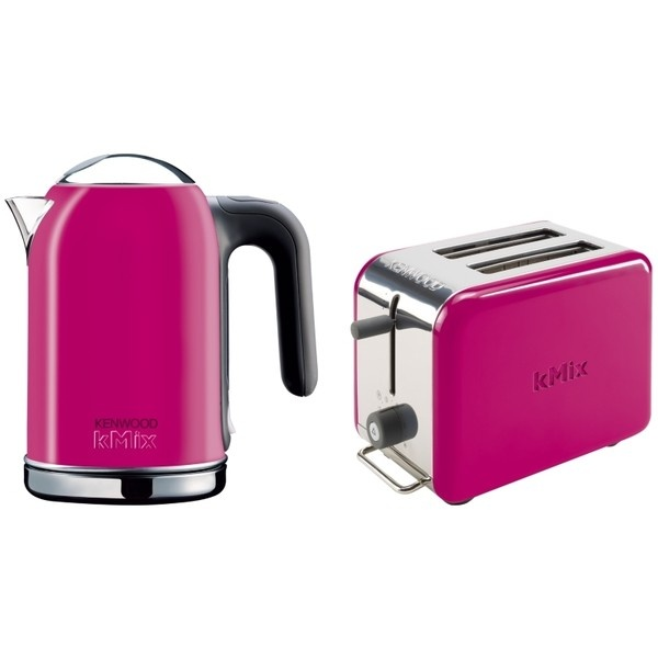 Kenwood kMix Boutique kettle and toaster in passion pink! Ordered for my new kitchen :)