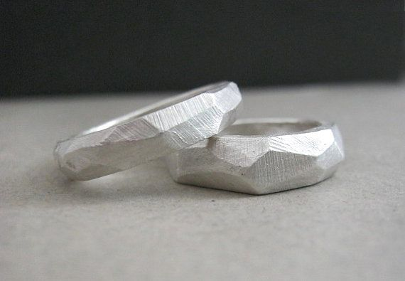 A wedding set with a modern touch.