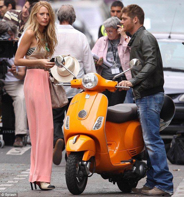 Serena in long skirt, Gossip Girl