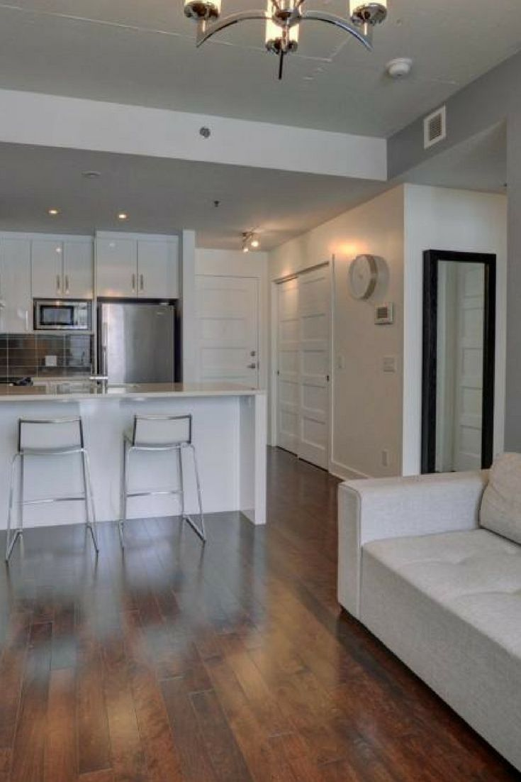 2013 1 bedroom condo with indoor parking, storage and balcony in the sought after Le William development in Griffintown!    #Condo #Griffintown #Montreal #RealEstate #realtors #brokers #dreamsizing #suttonQuebec #ForSale #OneBedroom