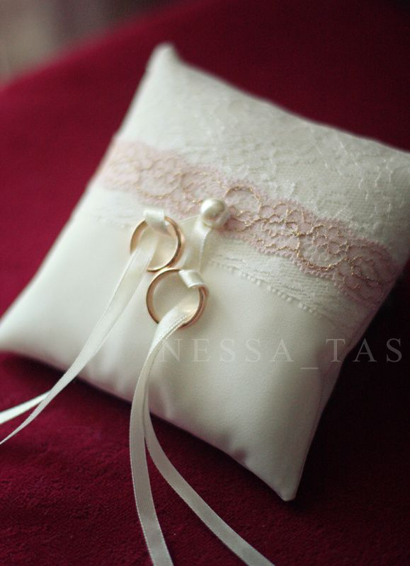 Ideas For Ring Pillows: Best 25+ Ring pillow ideas on Pinterest   Ring pillow wedding    ,