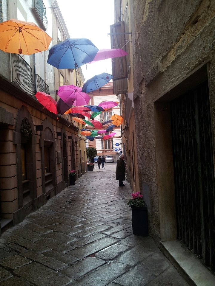 Ombrelli - Sassari (Sardegna)  Foto di Nadia Cossu
