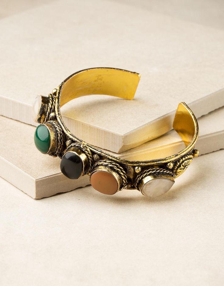 INIKA armband antikguldfärgad - Ta del av erbjudanden och rabatter från Indiska på SokRabatt.se