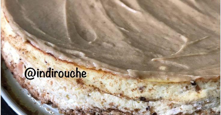 Resep Keto Peanut Butter Cheesecake Fat Bomb favorit. Peanut butter mmg paling favorit. Mau diolah kyk gmn juga pasti jatuhnya : enak. Sayangnya termasuk bikin naik kadar gula darah jadi sebaiknya mmg dihindari kecuali sekali sekali atau lg pengeeeennnn bangett boleh deh. Yg ga mau ambil resiko boleh diganti sama almond butter. Cheesecake ini pake loyang 26 cm jadinya 16 potong. 1 potong perhari boleh deh soalnya karbo perpotong itu cuma 3,85 gram. Klo ditambah whip cream homemade low carb…