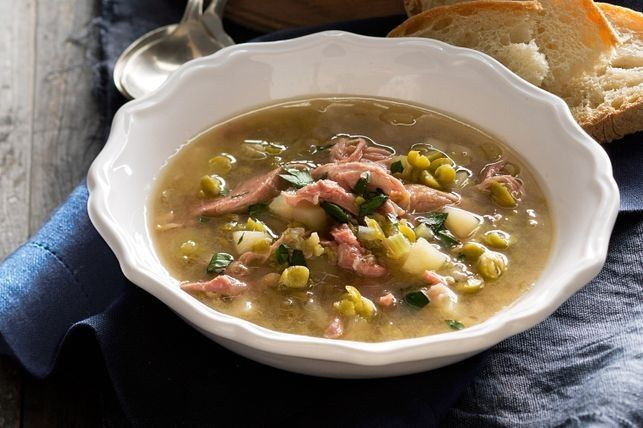 Slow-cooker pea and ham soup