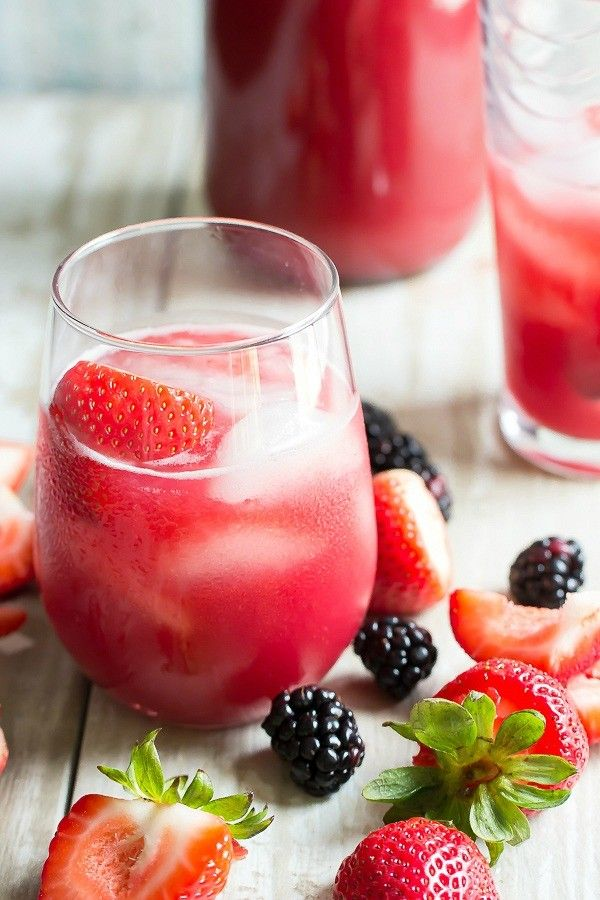 Strawberry Agua Fresca with Blackberries - Foodness Gracious