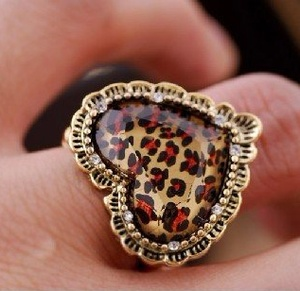 animal print heart ring. OMG I want