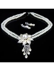 Beauitful Rhinestones and Pearls Flower Wedding Jewelry, Necklace and Earrings Set