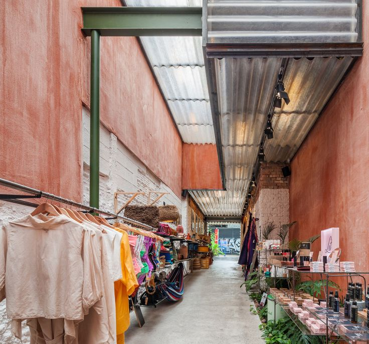 Best Bemglô Store Vão Retail Facade Small Entrance 400 x 300