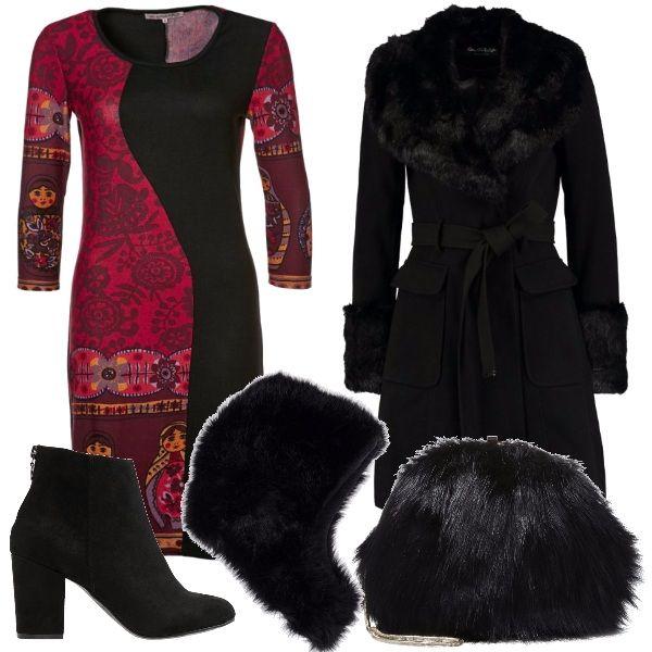 Per questo oufit: vestito con stampa colorata di matrioske, cappottino nero con colletto e polsini fur, tronchetto nero dal tacco largo, tracollina nera fur e colbacco nero a completare il look.