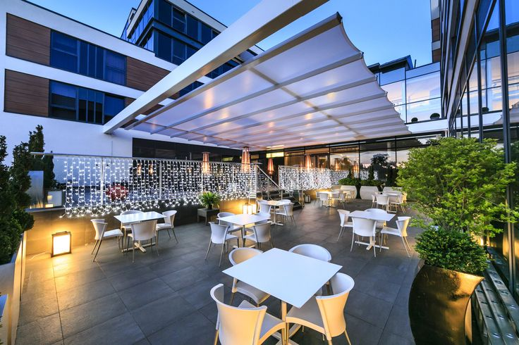 Product of the Day: The retractable cover to the Radisson Blu Edwardian Hotel's rooftop terrace provides form and function with the help of TENARA Fabric from SEFAR Architecture. http://www.archello.com/en/project/radisson-blu-edwardian-hotel-0