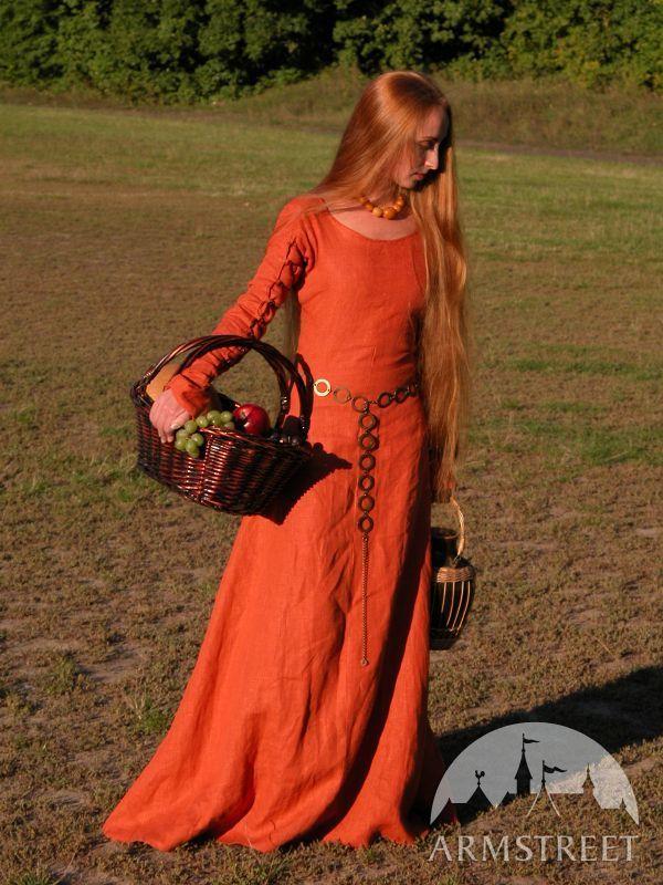 1000 id es propos de robe viking sur pinterest costume de viking robe m di vale et for Patron tablier original femme asnieres sur seine