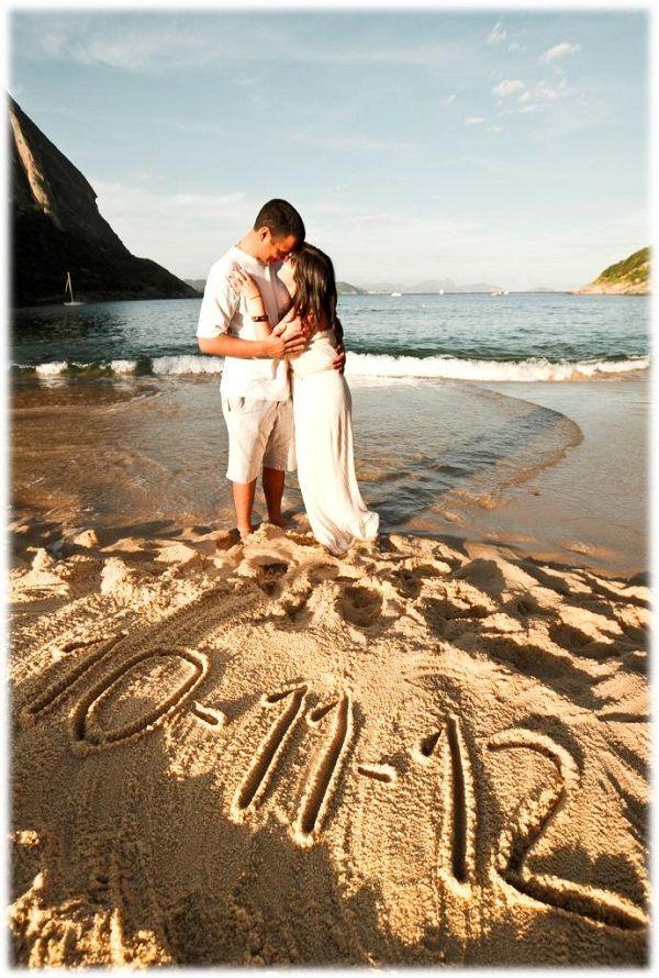 """Acho super bacana enviar """"Save the Date"""" aos convidados. É uma forma de avisar com antecedência do casamento.Quando os noivos possuem muitos convidados d"""