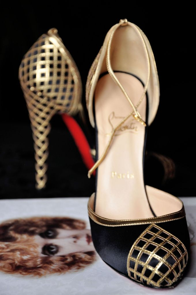 Black and gold louboutin: Fashion Shoes, Christian Louboutin Shoes, Black Heels, Black Gold, High Heels, Artdeco, Art Deco, Gold Shoes, Christianlouboutin