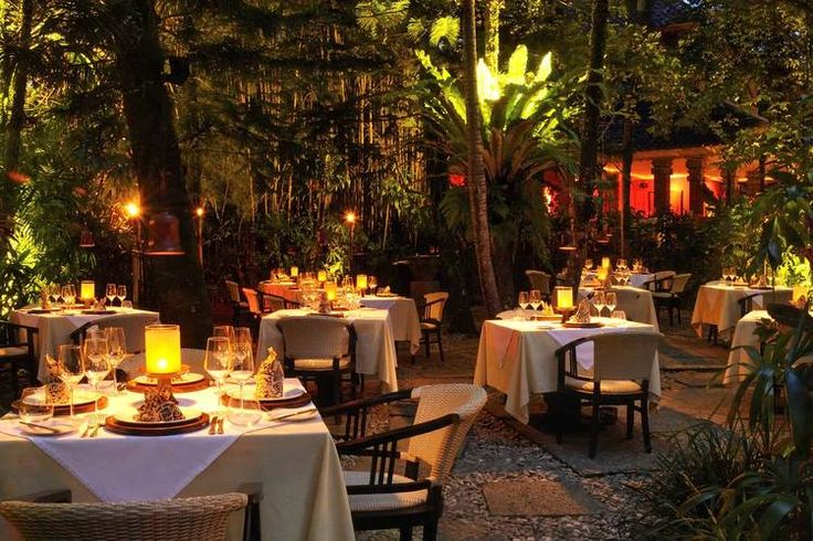 Ubud offers a wide variety to the roaming traveller from traditional  village roadside stalls to upmarket fine dining restaurants.This  incredible hub from Jalan Raya Ubud to Jalan Monkey Forest offer incredible  dining experiences with a stunning view to match. Here's The Bali Bible's  selection of some of our favourite Ubud restaurants.