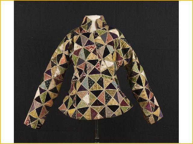 A gala jacket worn by ZH Hamengku Buwono VI (1855-1877) and HH Hamengku Buwono VII (1877-1921), sultan of both the Central Javanese principality Yogyakarta.
