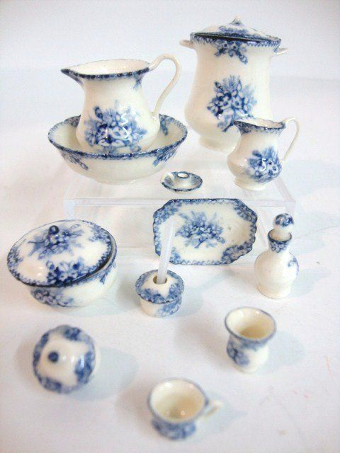 Jean Yingling, IGMA fellow - 14 piece hand painted porcelain chamber set