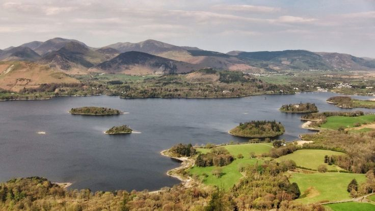 The climb from Keswick to Walla Crag is a very popular walk with visitors to the northern lakes. Those descending via Falcon Crag are rewarded with fabulous views across Derwent Water to Catbells and the Newlands Valley.