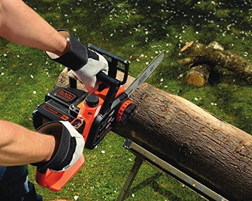 The Black and Decker GKC3630L20 Cordless Chainsaw is powered by a lithium-ion battery for fade free battery power and offers approximately 560 x 3.5cm cuts per battery charge. It has a light weight design for easy use and a tool free chain tensioning system for quick and easy chain fitting and adjustment.