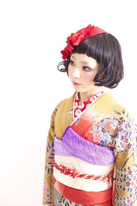 Layers. Graduation ceremony kimono rentals by Takashima Dali