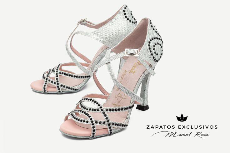 😍❤️💕 Mañana viernes 29 de Septiembre salen a la venta tus nuevos zapatos de baile!!! 😍 😍  🛍🛍 #QueBonitosPorFavor #AmiMeDaAlgo #MisZapatosSonHermosos #HechosaMano #SoloMios #PasionPorLaModa #ElArmarioDeMiVida #ZapatosUnicos #AnitaPearl #ZapatosReina #LaReinaDeMiArmario #musthave #dance #dancers #danceshoes #sandalias #custom #ilovedance #sandals #fashion #moda #style #salsa #rumba #musthave #white