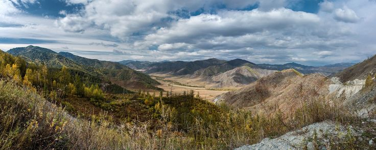 Cheke-Taman Pass in the Altai Mountains of South Central Siberia [2000 x 804] by Sergey Oslopov