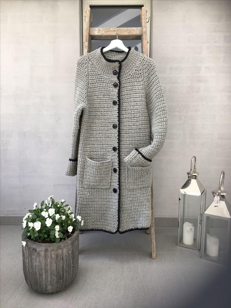 Hæklet jakke ( mønster fra femina )