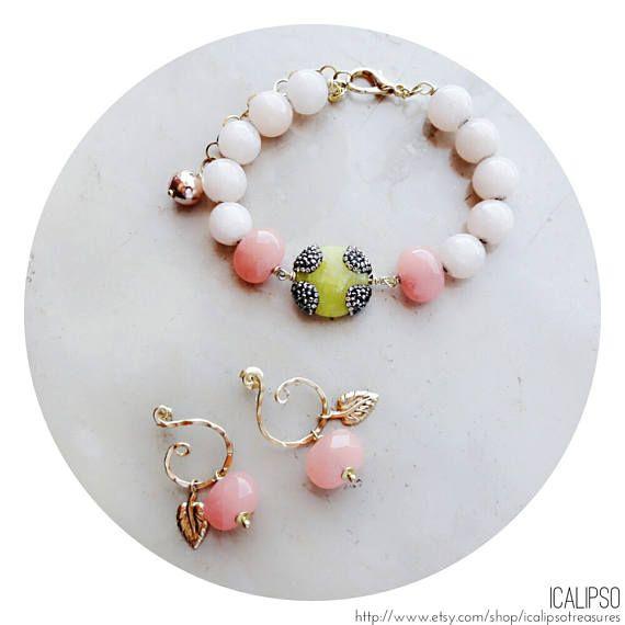 Ehi, ho trovato questa fantastica inserzione di Etsy su https://www.etsy.com/it/listing/526941224/quarzo-rosa-gioielli-set-perline